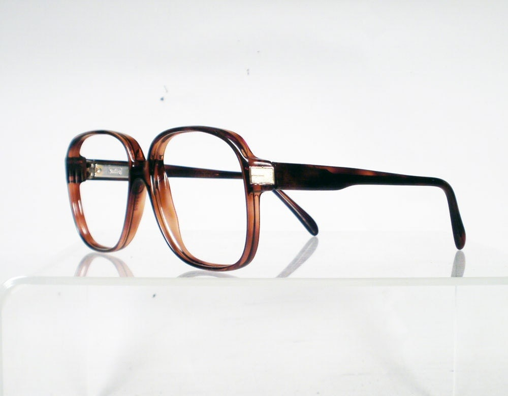 Glasses Frames Adjustment : ADJUSTING EYEGLASS FRAMES - Eyeglasses Online