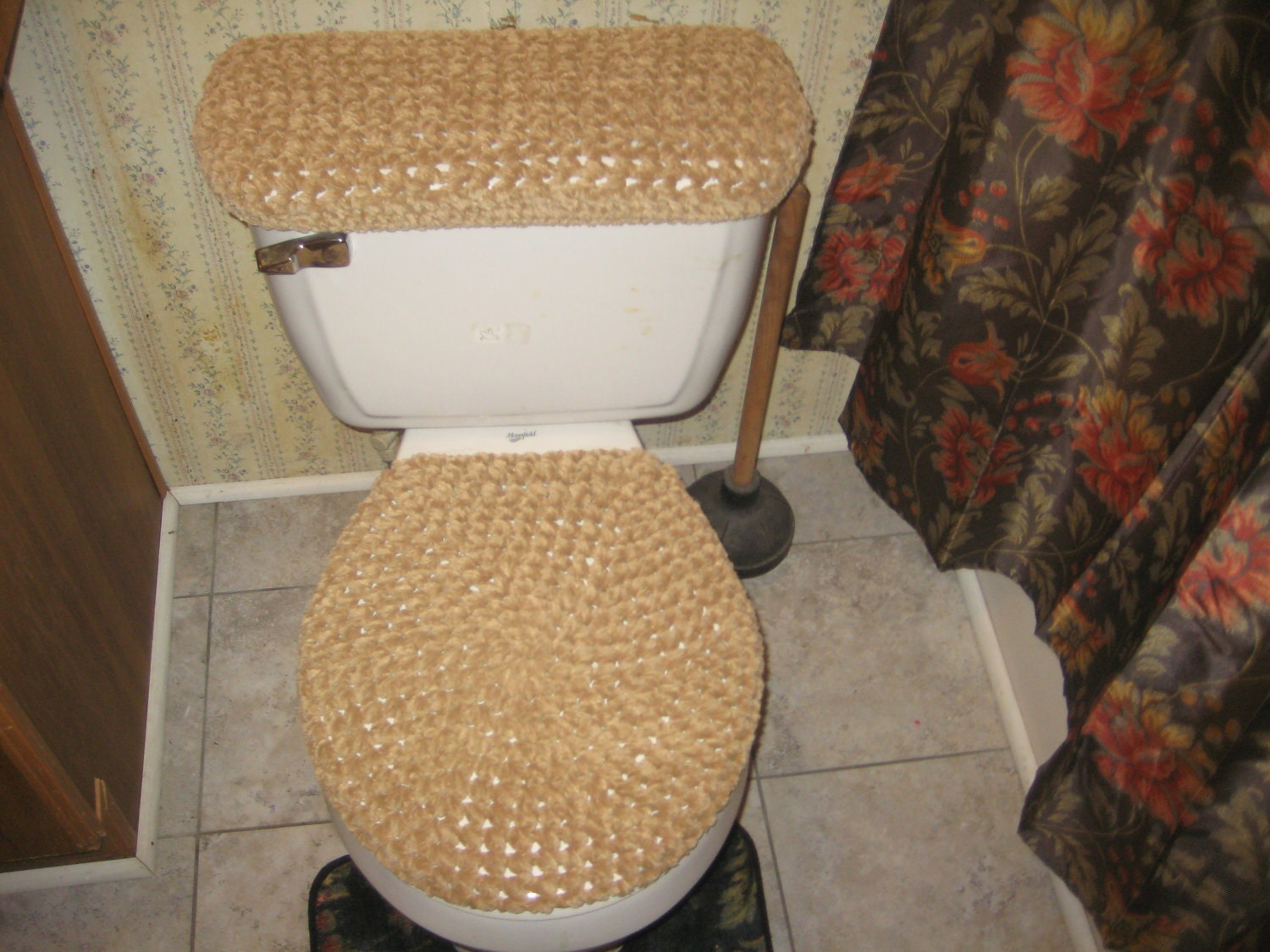 gold toilet seat cover. Crocheted Bulky Bathroom Toilet Lid and Tank Cover  Chunky 100 Cotton Chenille Gold Color FotoFuze